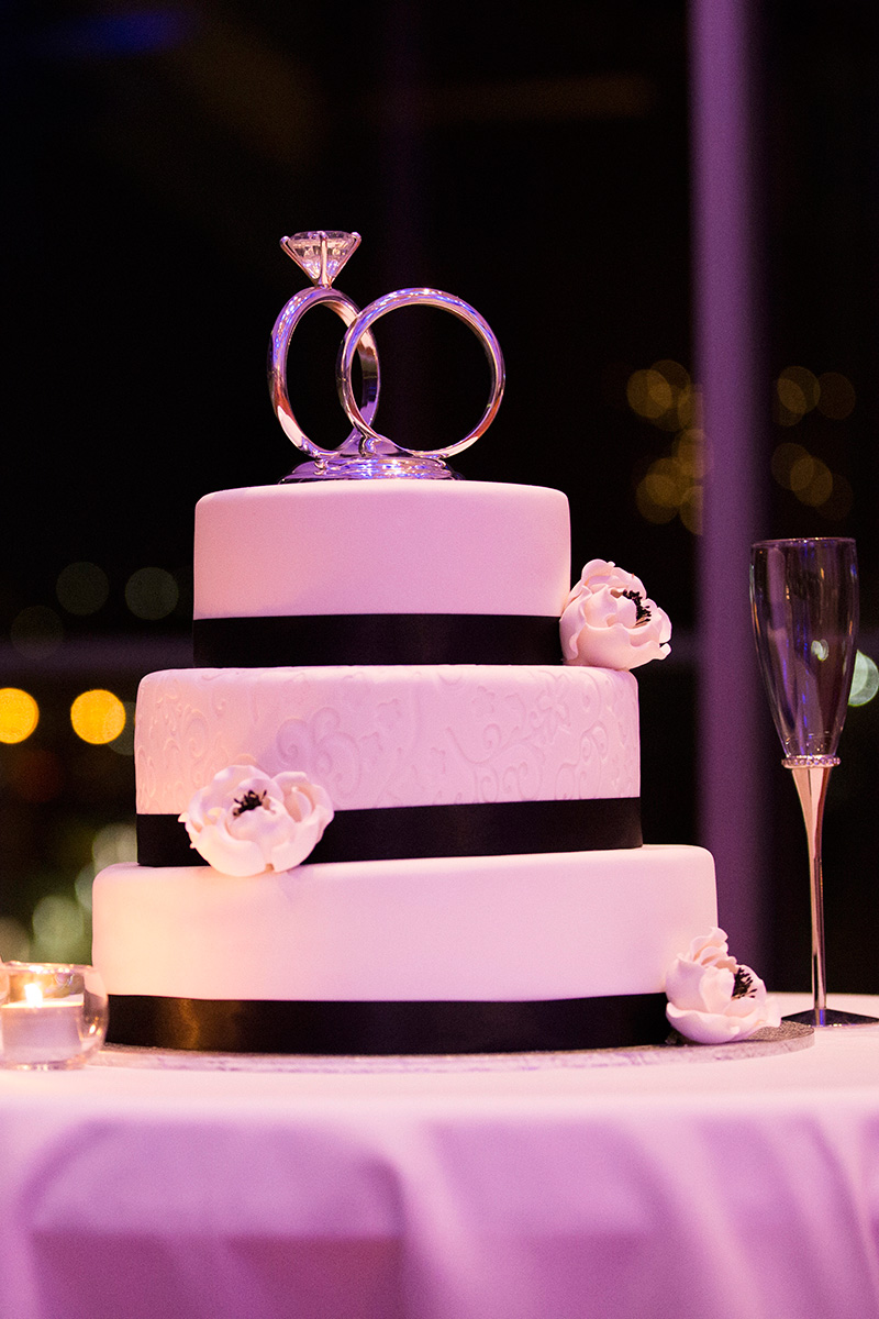 the cheesecake shop wedding cakes amp kevin s glamorous garden wedding in brisbane 20844