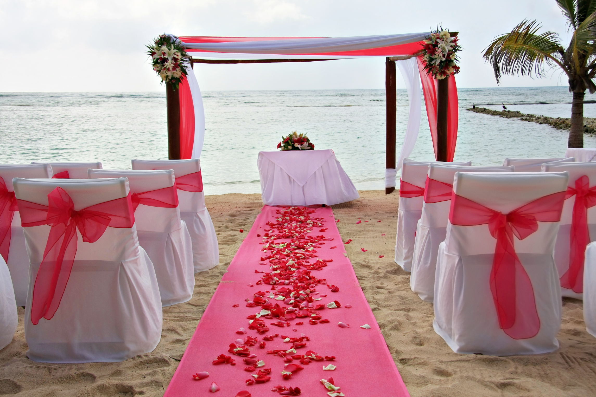 Your Beach Wedding Ceremony: Outdoor Aisle Hire