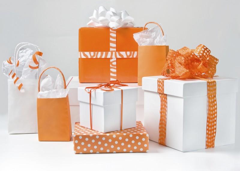 Wedding Gift List Etiquette: Gift Registry Etiquette
