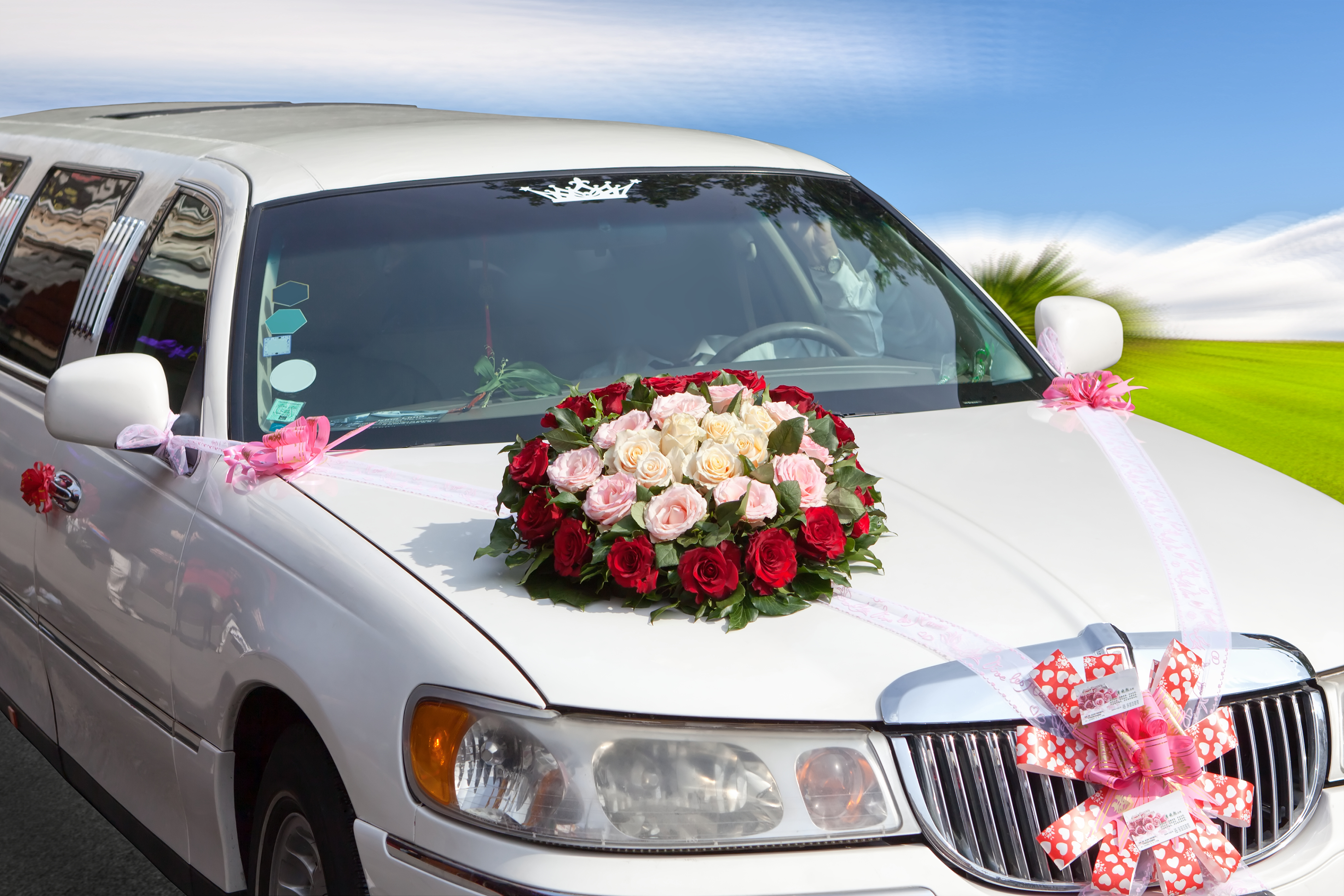 Luxury Vehicle: Popular Wedding Car Styles For Your Special Day