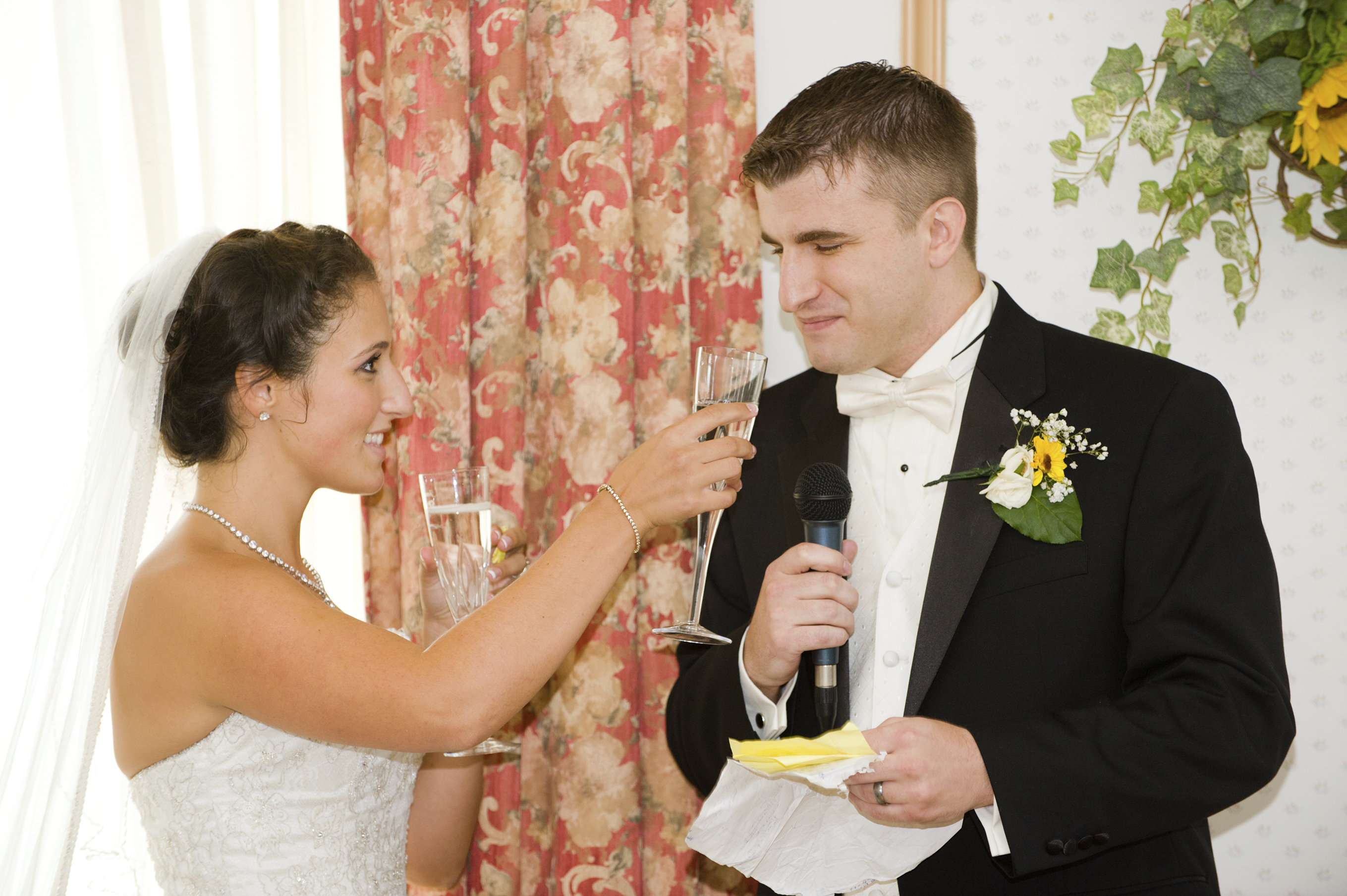 Bride Wedding Speech Ideas: What To Include In A Groom's Wedding Toast