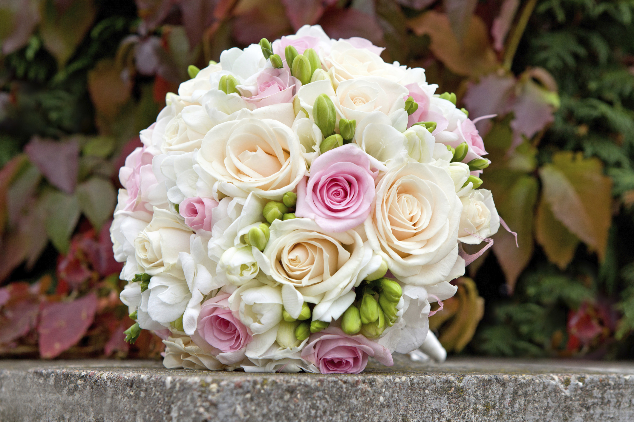 matching your flowers to your wedding theme - articles