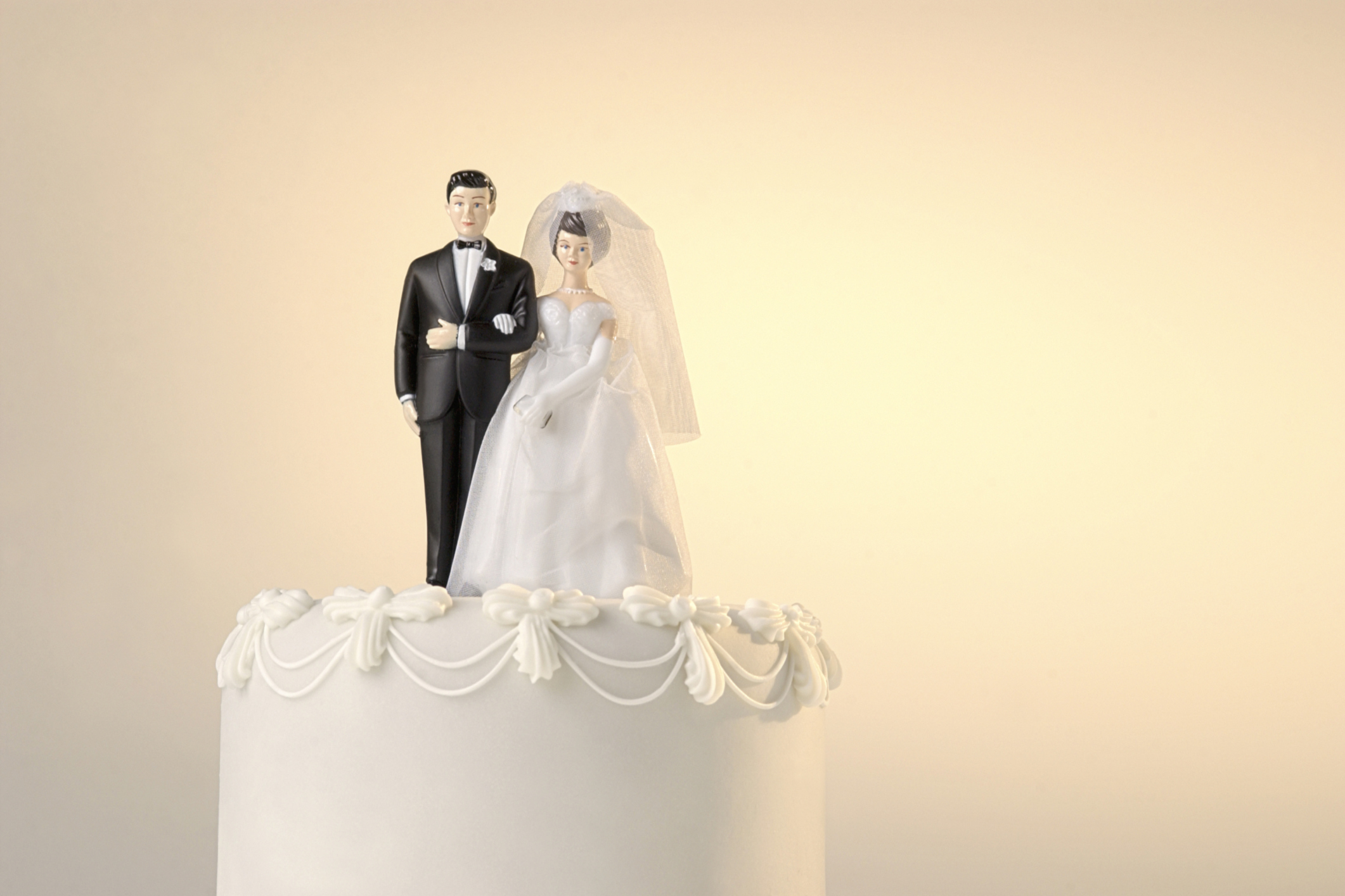 traditional wedding cake toppers bride and groom wedding cake toppers articles easy weddings 21210